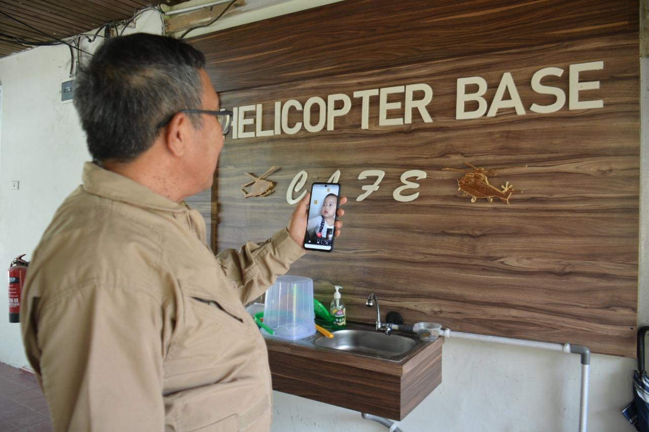 Aktivitas Pilot Helikopter Water Bombing APP-Sinarmas selama Ramadan