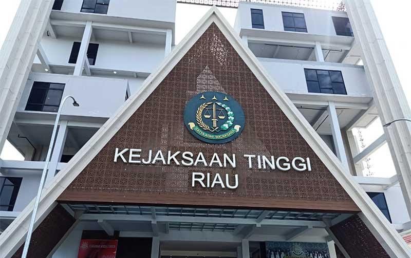 Sekdaprov Riau Penuhi Panggilan Jaksa sebagai Saksi dalam Kasus ini