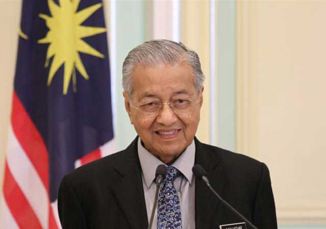 Pilih Mundur, Mahathir Mohamad Serahkan Surat Pengunduran Diri kepada Raja