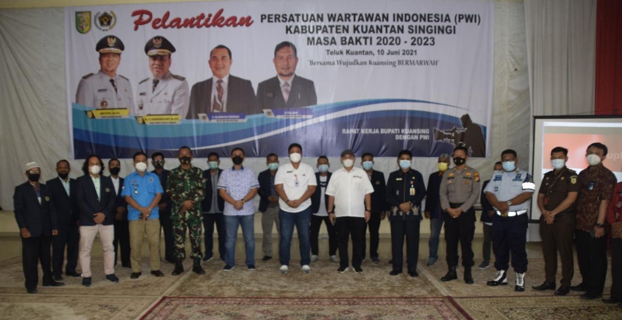 Nikmatnya Kopi Caghonti, Bupati Andi dan Ketua PWI Riau Kompak Promosi