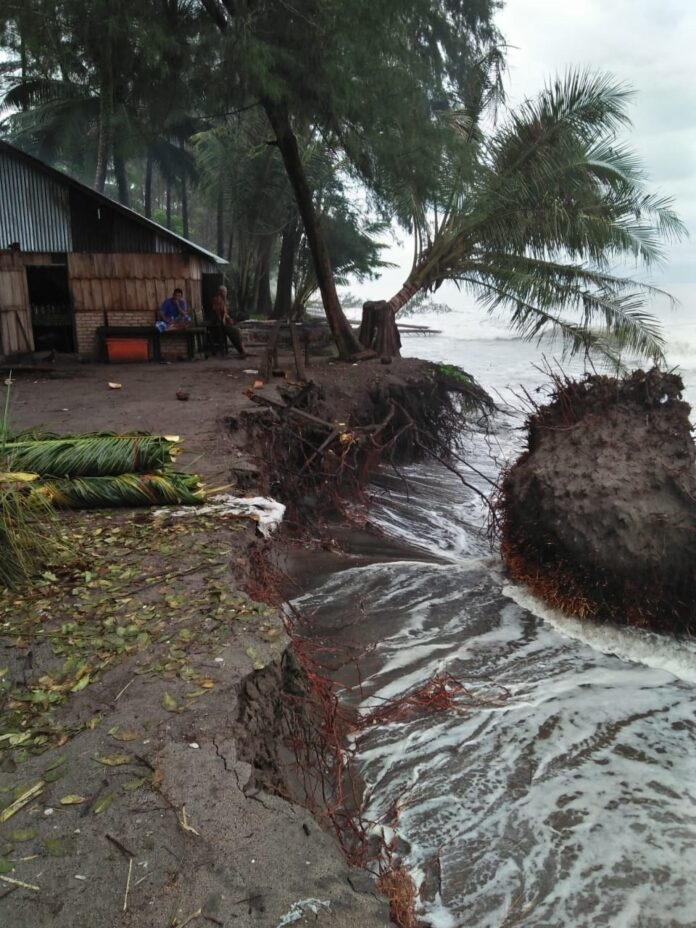 70 KK di Padangpariaman Terancam Akibat Abrasi