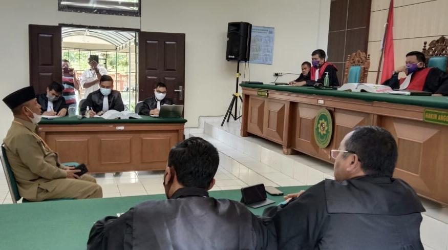 Dihadirkan Sebagai Saksi, Bupati: PT Adei Tak Mau Koordinasi Antisipasi Karhutla