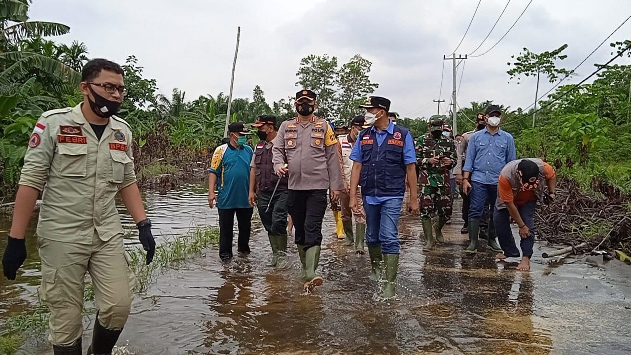 Wali Kota Pekanbaru Tinjau Tiga Lokasi Banjir