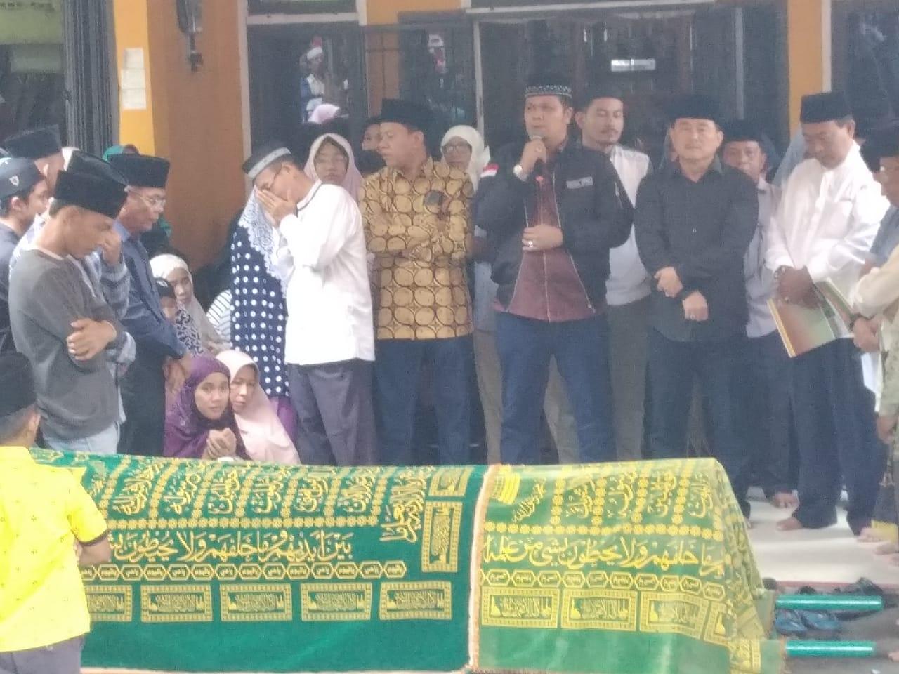 Wabup dan Ketua DPRD Kuansing Lepas Jenazah Almarhum Mastur
