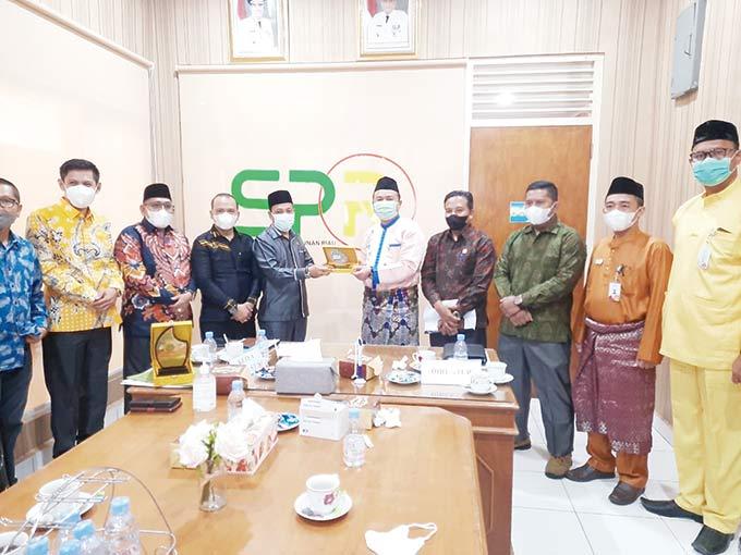 Perkuat BUMD, DPRD Rohil Kunjungi PT SPR