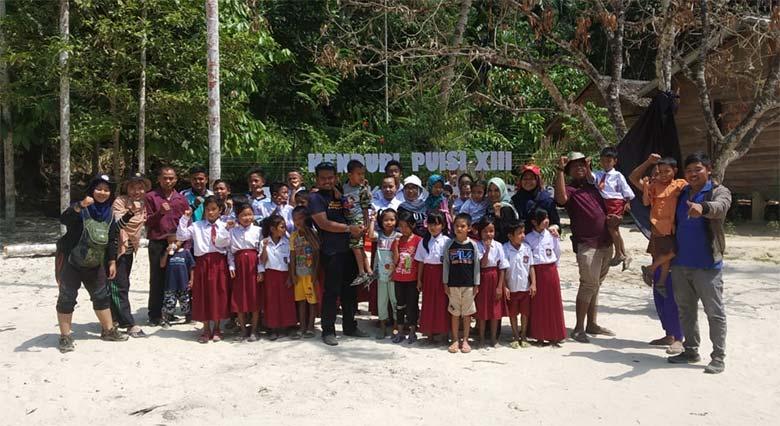 Sekcam Batang Gangsal Ikut Kenduri Puisi di Kampung Talang Mamak  Sampai Selesai