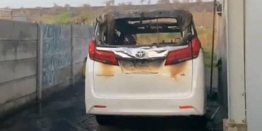 Mobil Alphard Via Vallen Dibakar OTK