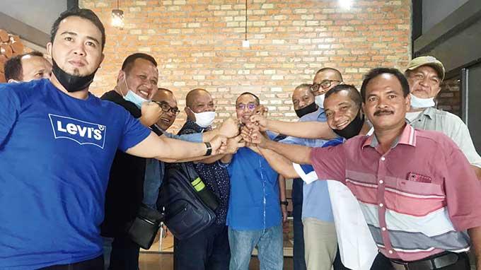 Barisan Massa Demokrat Riau Dukung KLB