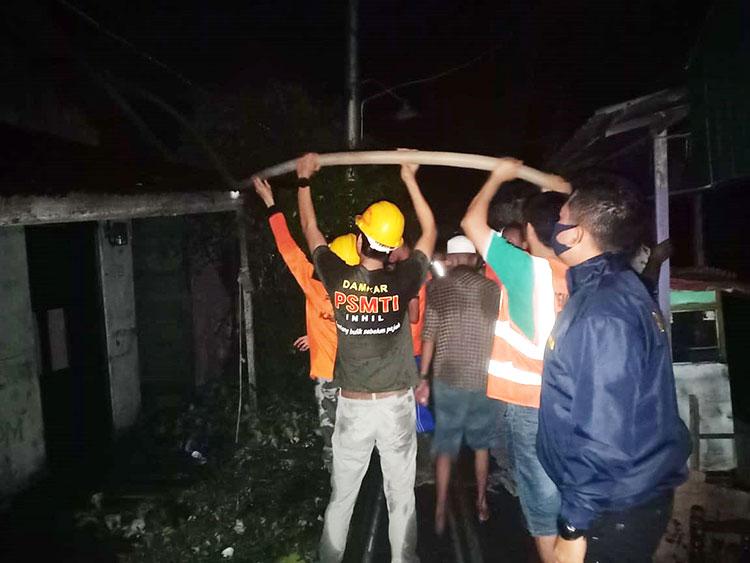 Tiga Rumah Terbakar Saat Jam Berbuka Puasa di Tembilahan Hulu