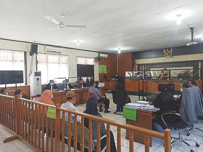 Saksi Mengaku Serahkan Uang Bertahap, Yan Prana Membantah