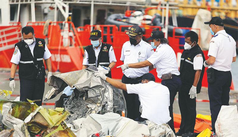 Gelombang Tinggi Ganggu Pencarian CVR Sriwijaya Air