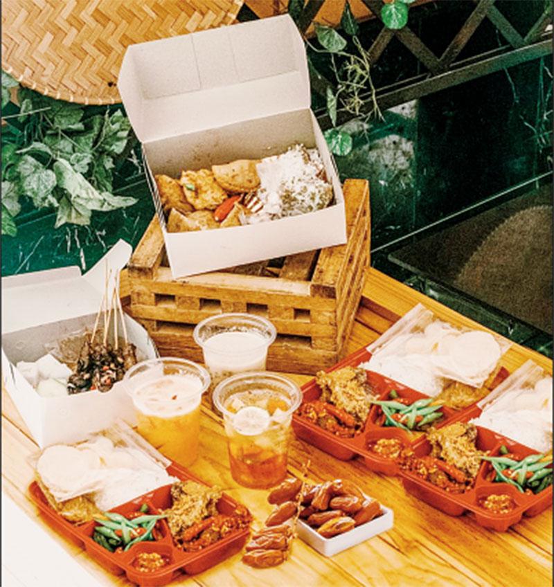 Berbuka dengan Paket Kampung Ramadan Foodtogo Grand Jatra Hotel