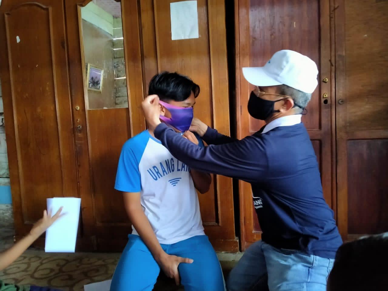 STIE Bangkinang Santuni Yatim dan Bagikan Masker