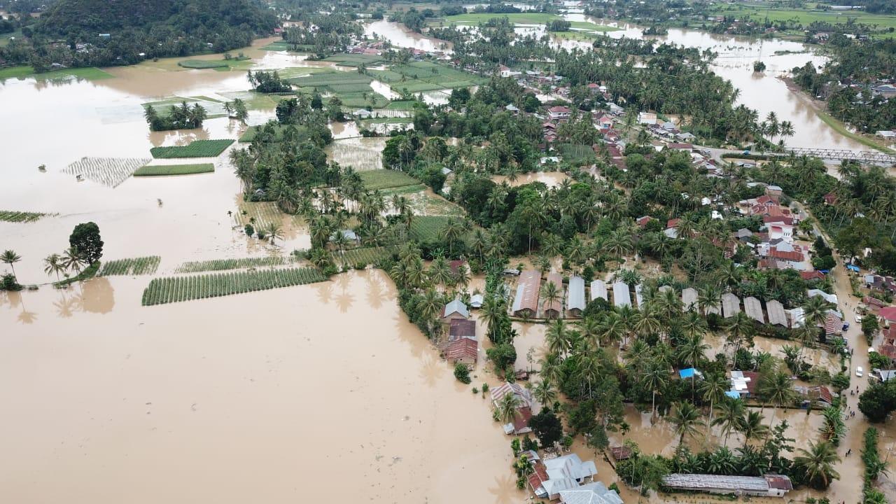 Sungai Harau Meluap, Lima Puluh Kota Terendam Banjir