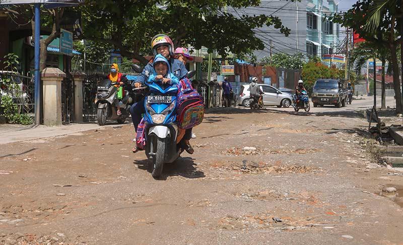 Anggaran Perbaikan Jalan Dikurangi