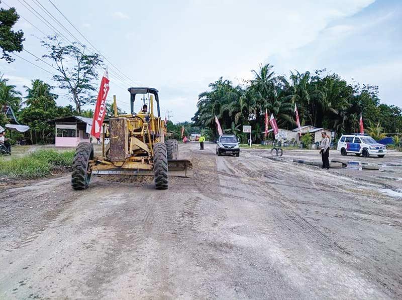 Perbaiki Kerusakan Jalan Provinsi