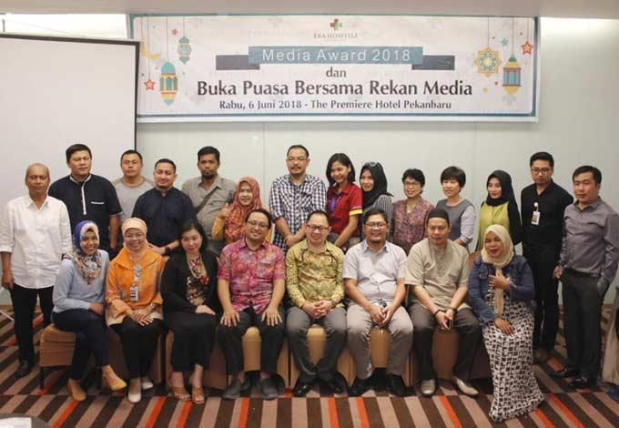 Eka Hospital Berikan Penghargaan kepada Riau Pos