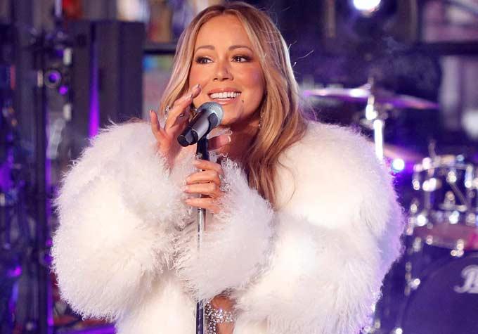 Mariah Carey Tetap Gelar Konser di Candi Borobudur