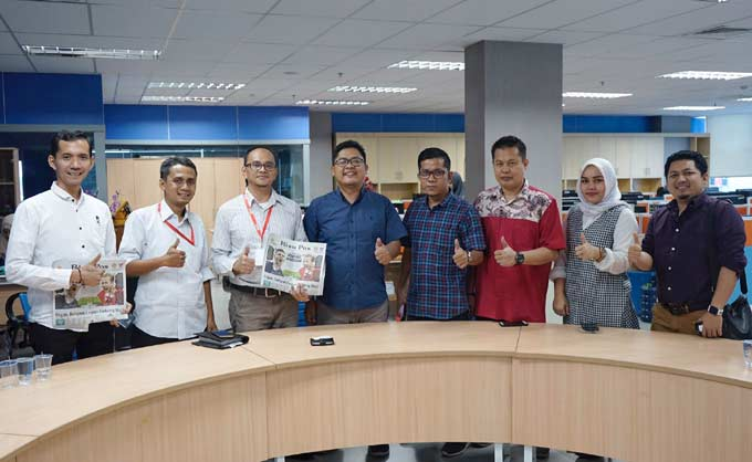Jalin Keakraban, Alfamart Kunjungi Riau Pos