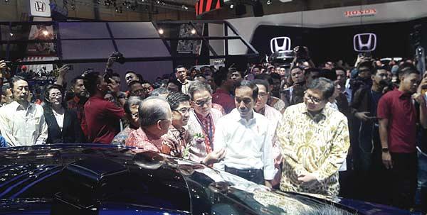 Toyota Jelaskan ke Presiden Kesiapan Menuju Era Elektrifikasi