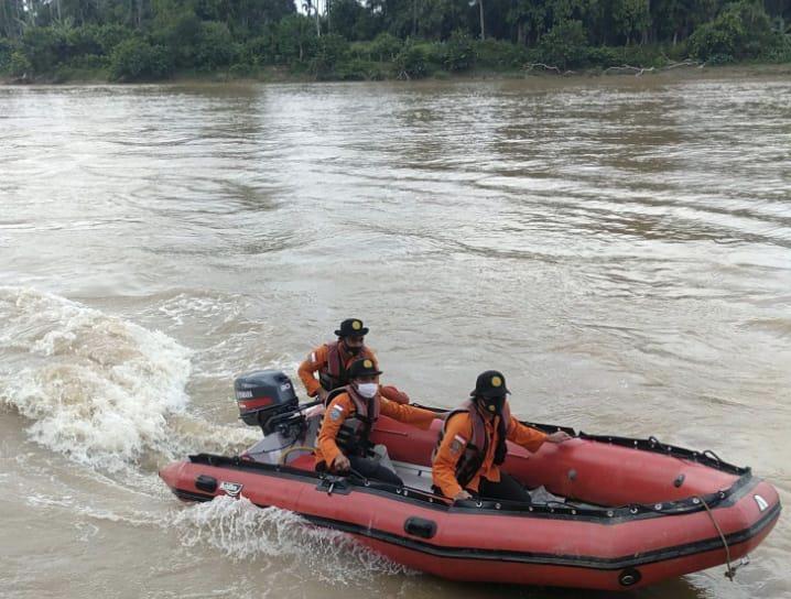 Hari Keenam, Pencairan Warga Cerenti Jatuh di Sungai Kuantan Sampai Perbatasan Inhu