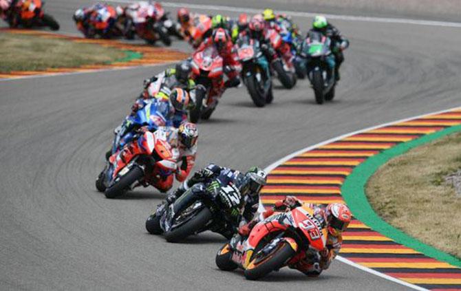Gelombang Penundaan Race Tak Terbendung