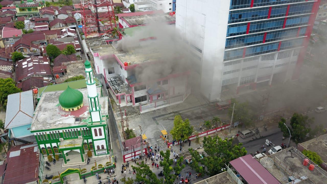 Gedung Plasa Telkom Pekanbaru Terbakar, Jaringan Telkomsel Lumpuh