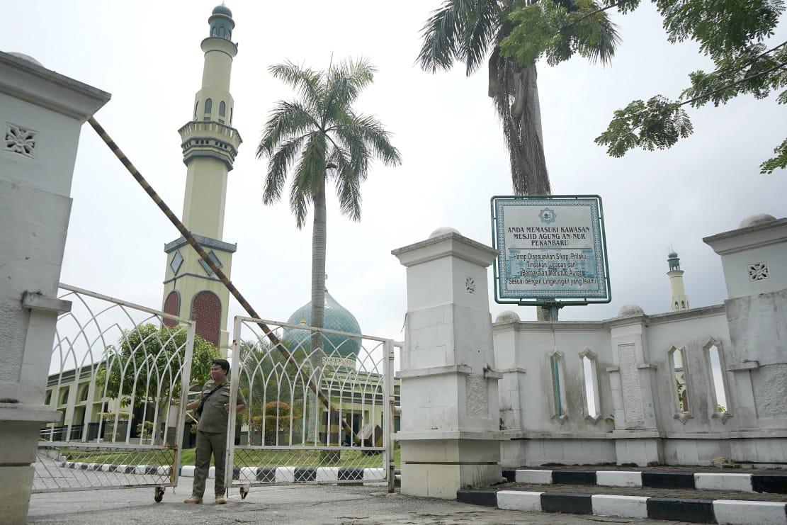 Masjid Raya Annur Provinsi Riau Belum Gelar Salat Berjamaah
