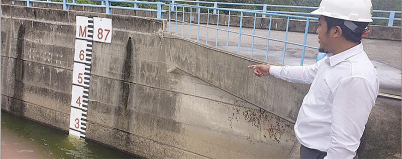 Tiga Spillway Waduk PLTA Koto Panjang Dibuka