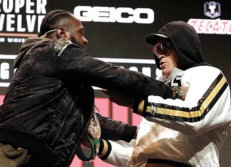 Mike Tyson Jagokan Fury, Holyfield Pilih Wilder