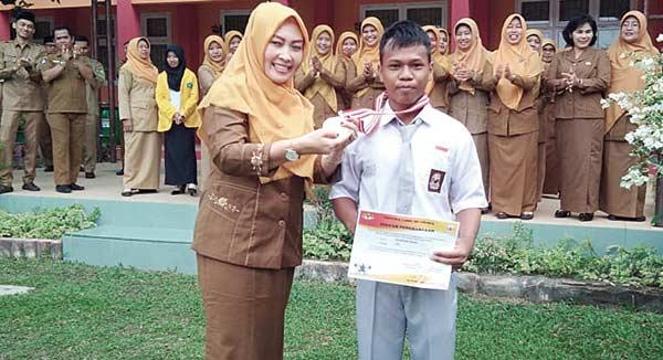 Siswa SMAN 4 Pekanbaru  Raih Medali Tingkat Nasional