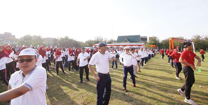 Unri Launching Senam Batobo di Milad Ke-57 Universitas Riau