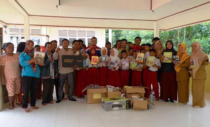 PT Pertamina EP Asset 1 Lirik Field Bantu Pendidikan Suku Talang Mamak