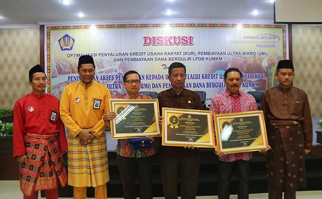 DJPb Beri Penghargaan Daerah dalam Pembinaan KUR