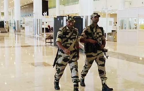 Polisi India Diminta  Pasang Wajah Garang