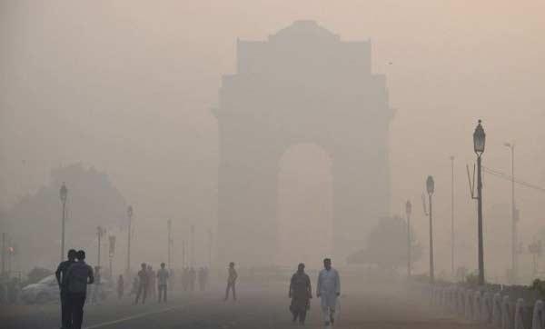 Warga Delhi Terpaksa Rayakan Natal di Ruangan
