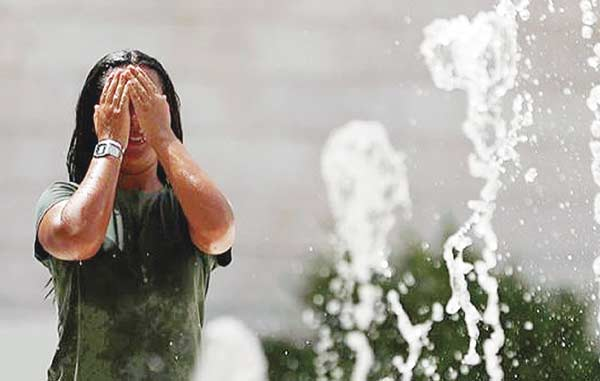 Diserang Gelombang  Panas, Suhu di  Portugal 47 Celcius