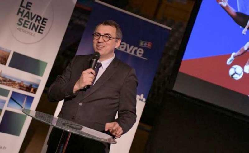 Foto Bugil Beredar, Wali Kota di Prancis Mundur