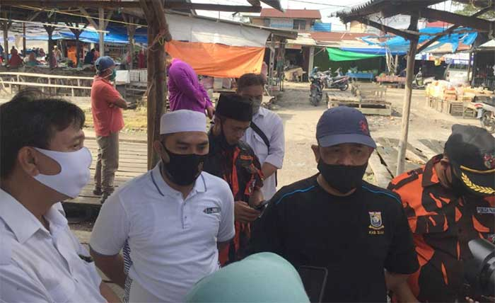 Pasar Koto Gasib Disemprot Disinfektan