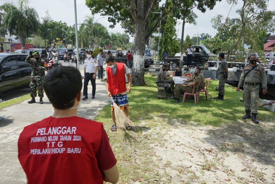 Warga Dominan Pilih Kerja Sosial saat Terjaring Operasi Yustisi Prokes