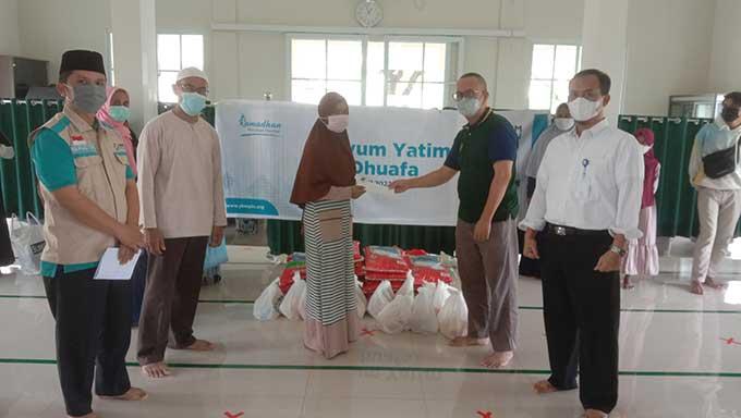 YBM PLN Berbagi Bingkisan Sembako dan Santunan Yatim Duafa Ramadan 1442 H