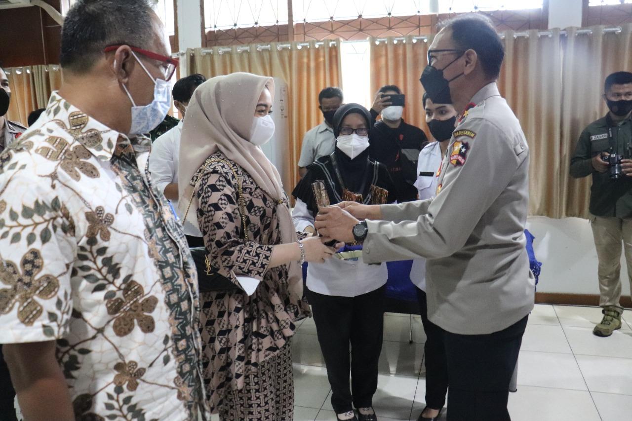 Gandeng BNNP Riau, Akabri 90 Gelar Vaksinasi dan Baksos