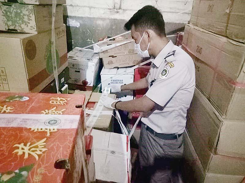 Buah-buahan Ilegal Asal Malaysia Ditangkap