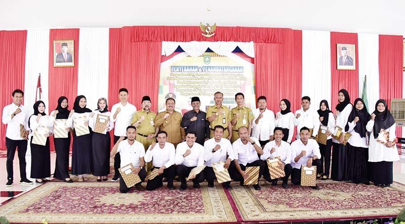 Bupati Serahkan SK Pendamping Desa