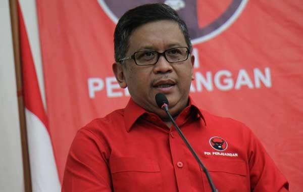 PDIP Wajibkan Pasang Spanduk Megawati dan Jokowi