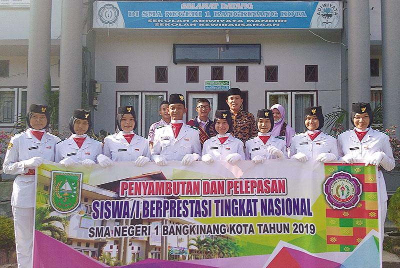 SMAN 1 Sambut dan Lepas Siswa Berprestasi Nasional