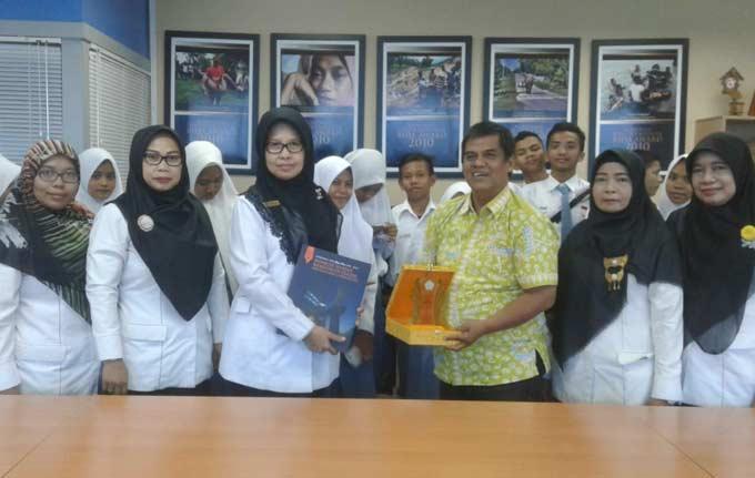 SMKN 6 Pekanbaru Belajar RPL di Riau Pos