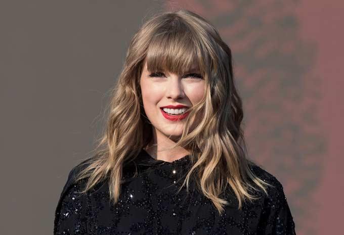Taylor Swift Kejutkan 200 Penggemar