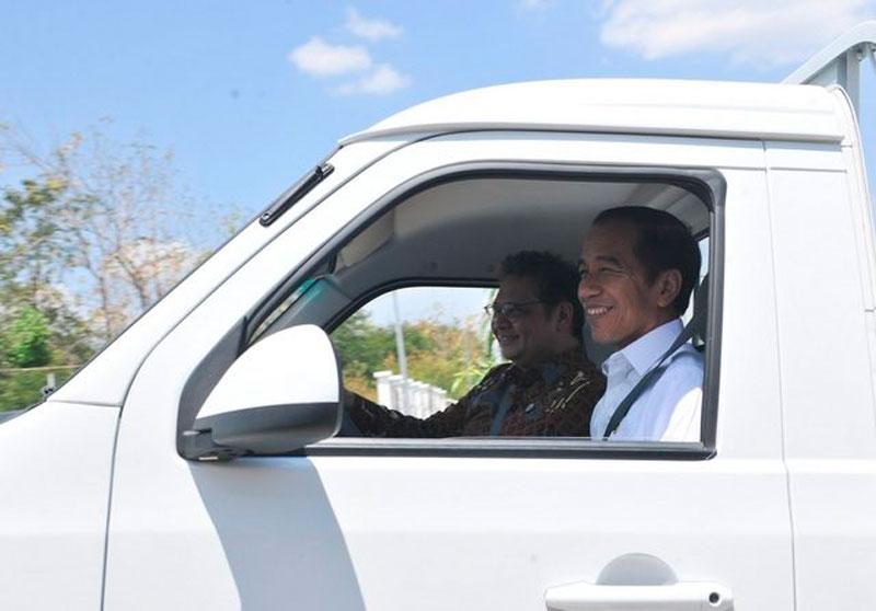 Ngabalin: Tak Perlu Ada Polemik Mobil Esemka