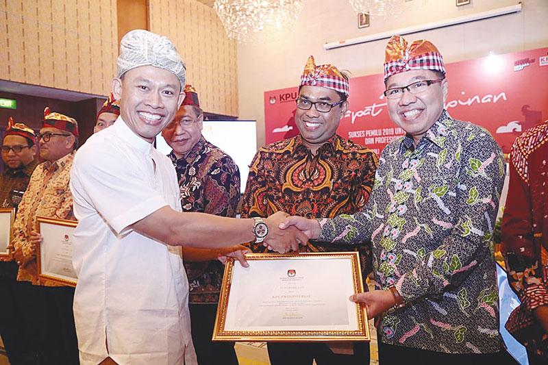 KPU Riau Terbaik Dua Nasional